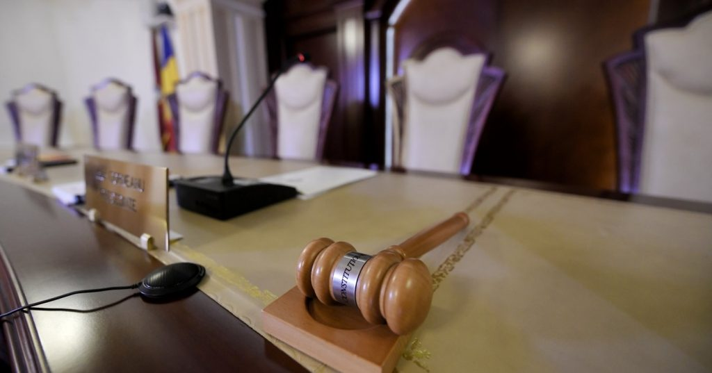 """CCR: Noua Lege a dării în plată este constituțională, cu o excepție. Inițiatorul Daniel Zamfir: """"Victorie uriașă pentru toți românii cu credite"""""""