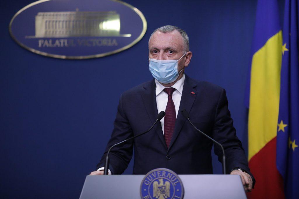 """Elevii din clasele terminale, la cursuri și în scenariul roșu?! Sorin Cîmpeanu: """"CNSU să ia o decizie!"""""""