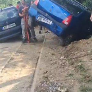 Mașini lovite pe calea ferată