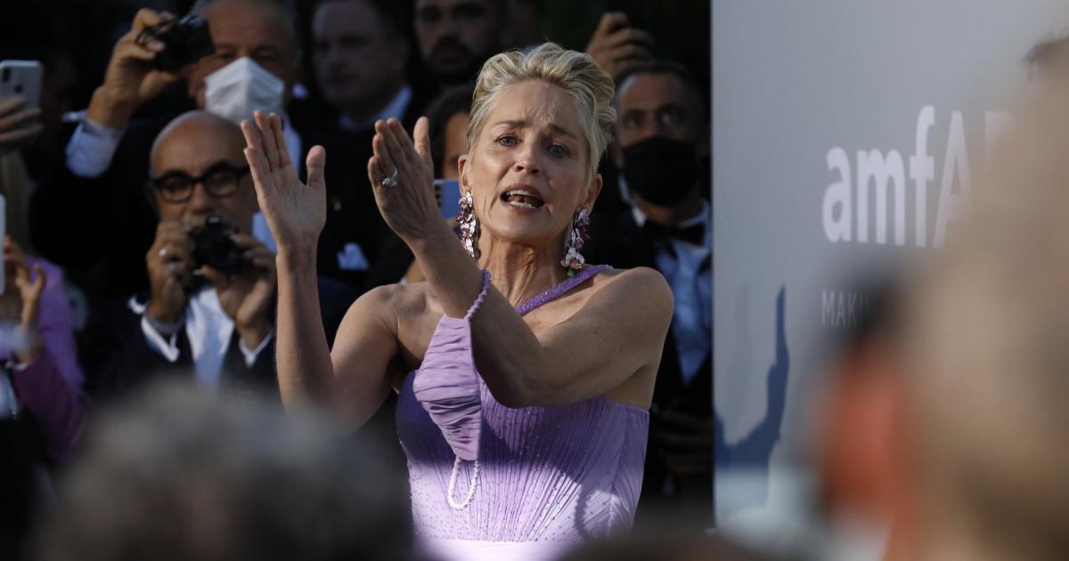 Sharon Stone a fost amenințată cu demiterea după ce a solicitat vaccinarea Covid pe platourile de filmare