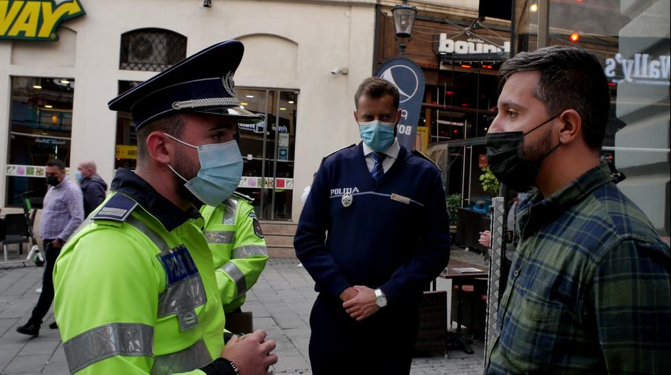 Polițiștii au dat sute de amenzi în Ilfov pentru nerespectarea măsurilor. Cei care folosesc certificate verzi care nu le aparțin scot sume uriașe din buzunar